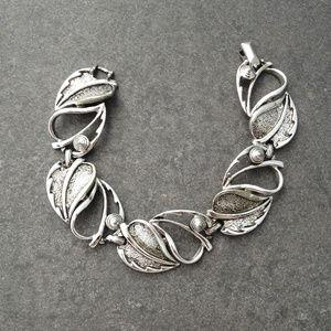 Vintage Silver Sectional Floral Bracelet